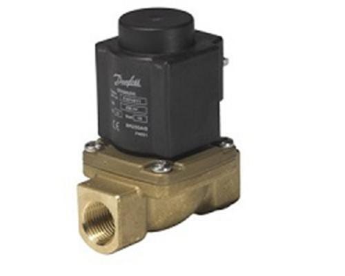 Клапан соленоидный  EV 225B, ДУ 15 мм, латунь, G 1/2, PTFE, нормально закрытый, c катушкой BQ, 110В, 60Гц Danfoss (032U380520)